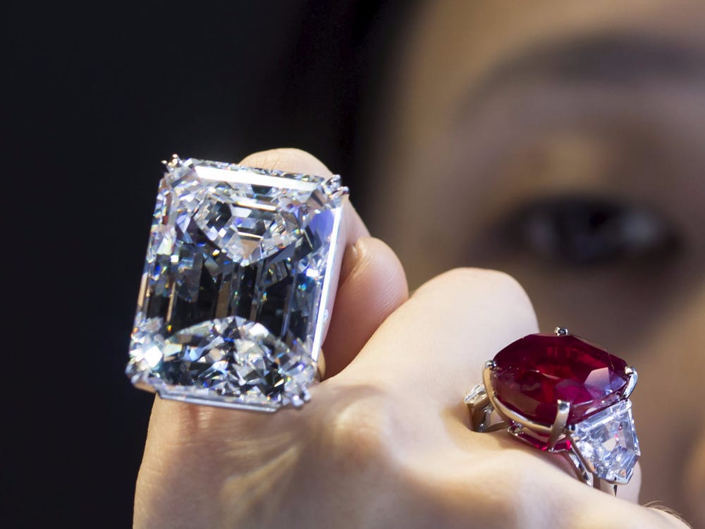 Women and diamonds-simply a beautiful bond